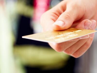 Cashback di Natale: come funziona e come ottenere i rimborsi