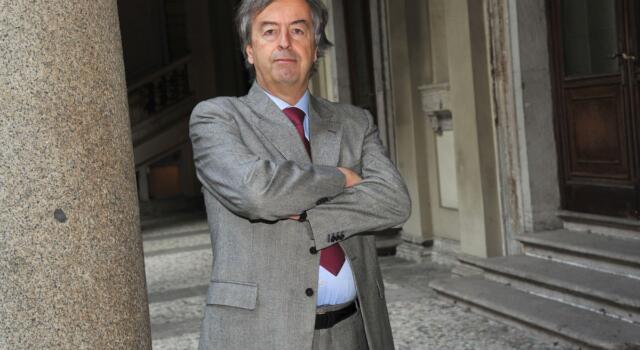 """Roberto Burioni: """"Il vaccino sembrerebbe bloccare la trasmissione del Coronavirus"""""""