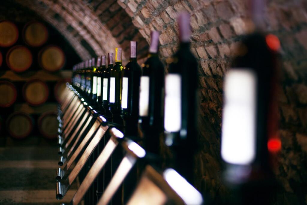 Una cantina di vino italiano