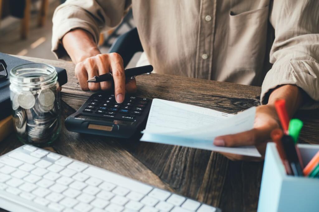 Un utente alle prese con un conto corrente in rosso