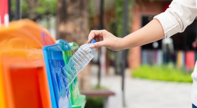 Maddaloni è la prima città plastic free d'Italia