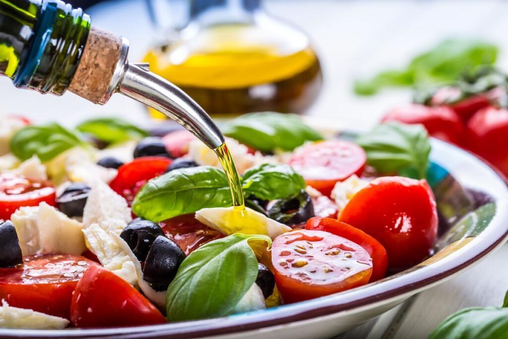 insalata dieta mediterranea