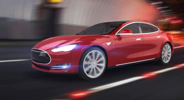 La Tesla si può comprare con i bitcoin: l'annuncio di Elon Mask