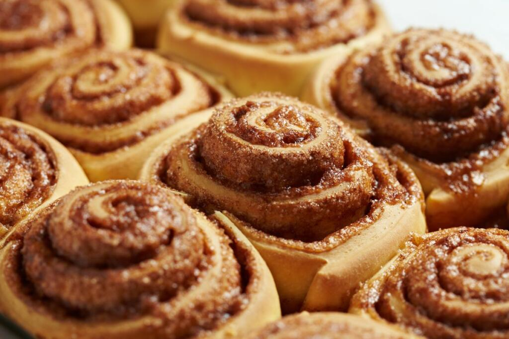 I cinnamon rolls