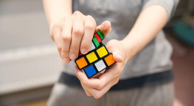 Cubo di Rubik: com'è nato il rompicapo più venduto di sempre