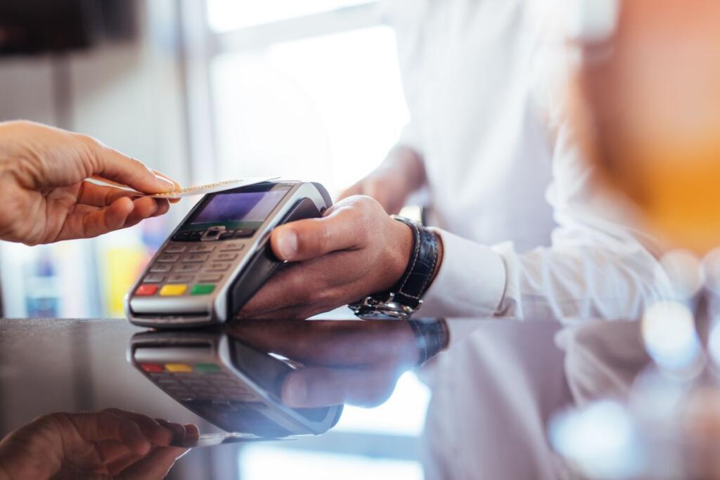 Un pagamento con carta per il cashback