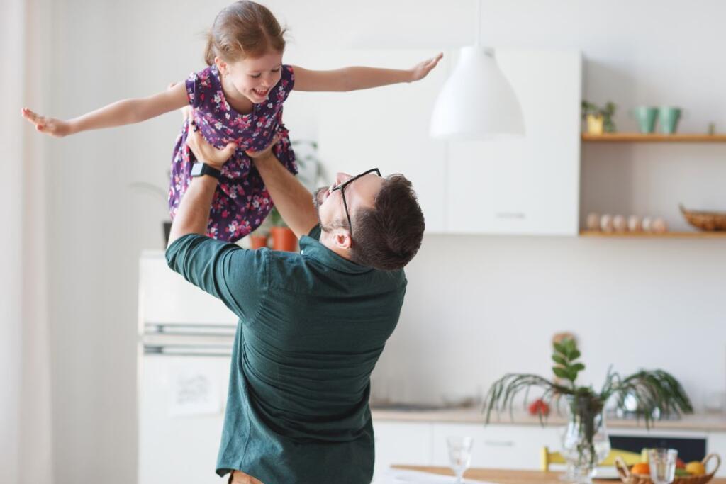 Un padre con sua figlia