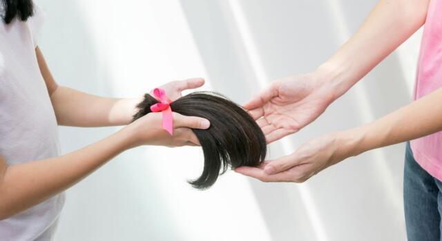 Onco Hair, il progetto che regala capelli veri alle donne affette da tumore al seno