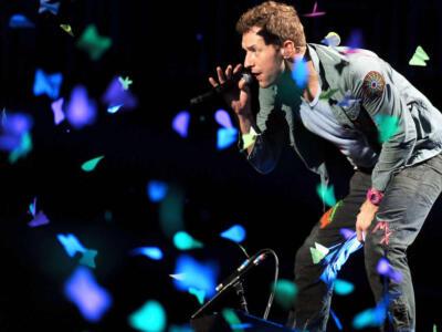 """I Coldplay annunciano un tour ecosostenibile con il """"pavimento cinetico"""""""